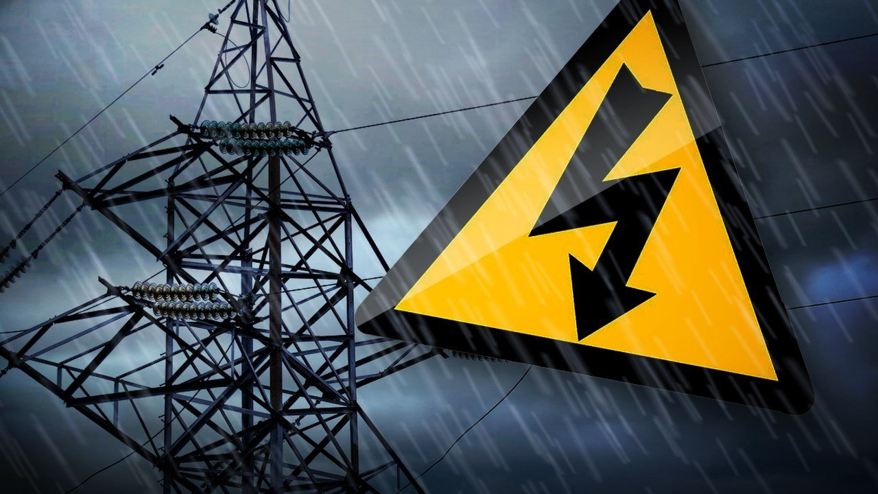 Hundreds without power as severe storms move through