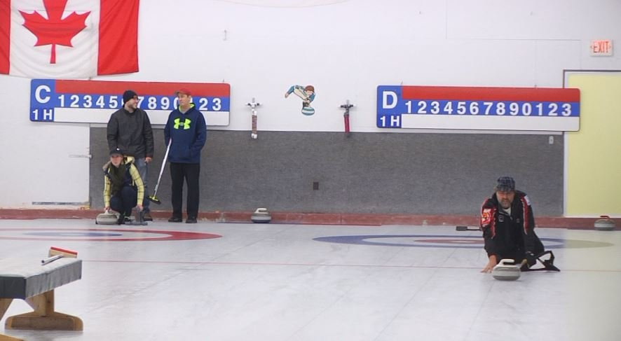 Community gets hands on experience with curling
