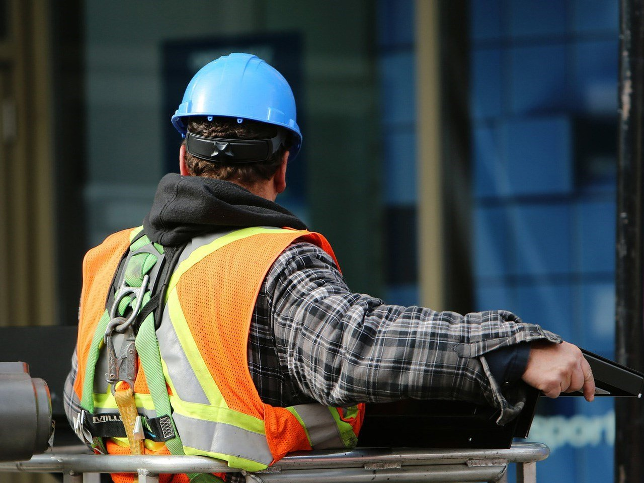 Construction industry starts program to attract workers