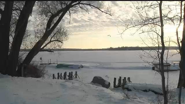 Experts warn against heading out on thin ice