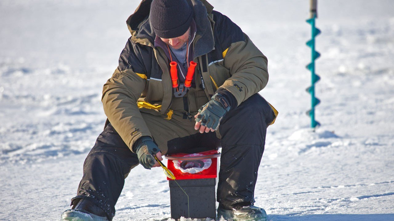 Monday marks ice fishing shelter removal deadline for southern MN lakes