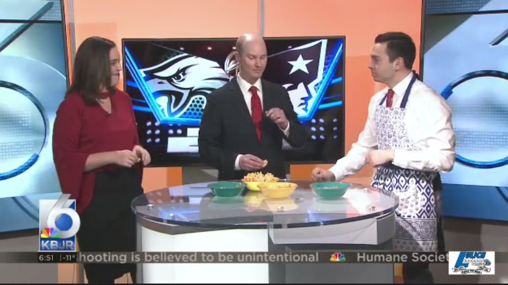 If you're looking for a Super Bowl snack, KBJR 6's Emma Rechenberg, Michael Raimondi and Meteorologist Adam Lorch have some suggestions.