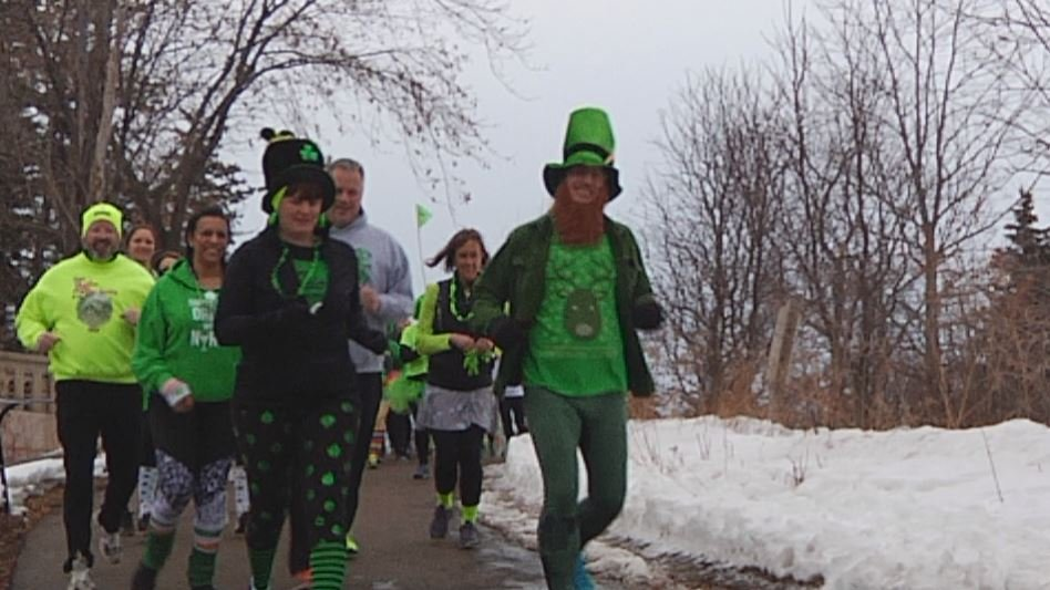 Duluth runners celebrate St. Patrick's Day early