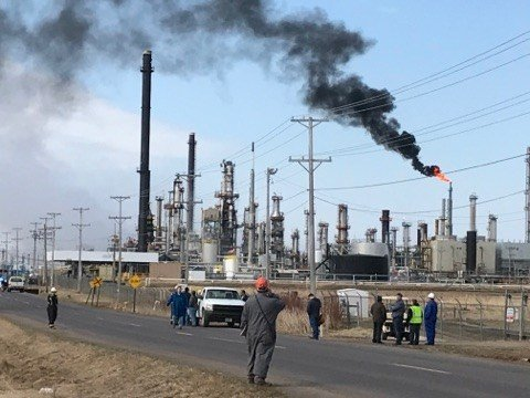 Eleven injured in oil refinery fire in Wisconsin town of Superior
