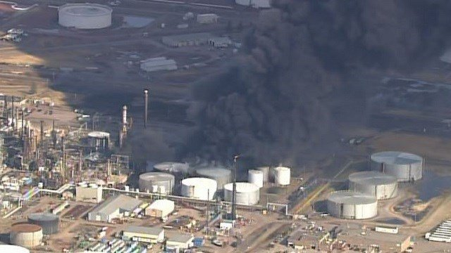 Gov. Walker gets briefed on Husky Oil Refinery damage