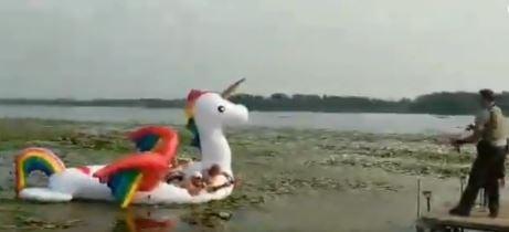 Minnesota deputies rescue women stranded on unicorn raft