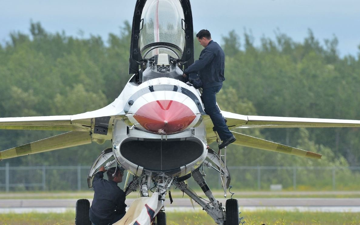 Duluth Airshow, Thunderbirds to draw big weekend crowds